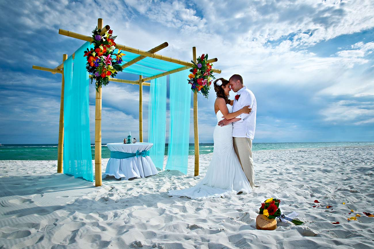 4 Things To Keep In Mind When Planning A Beach Wedding