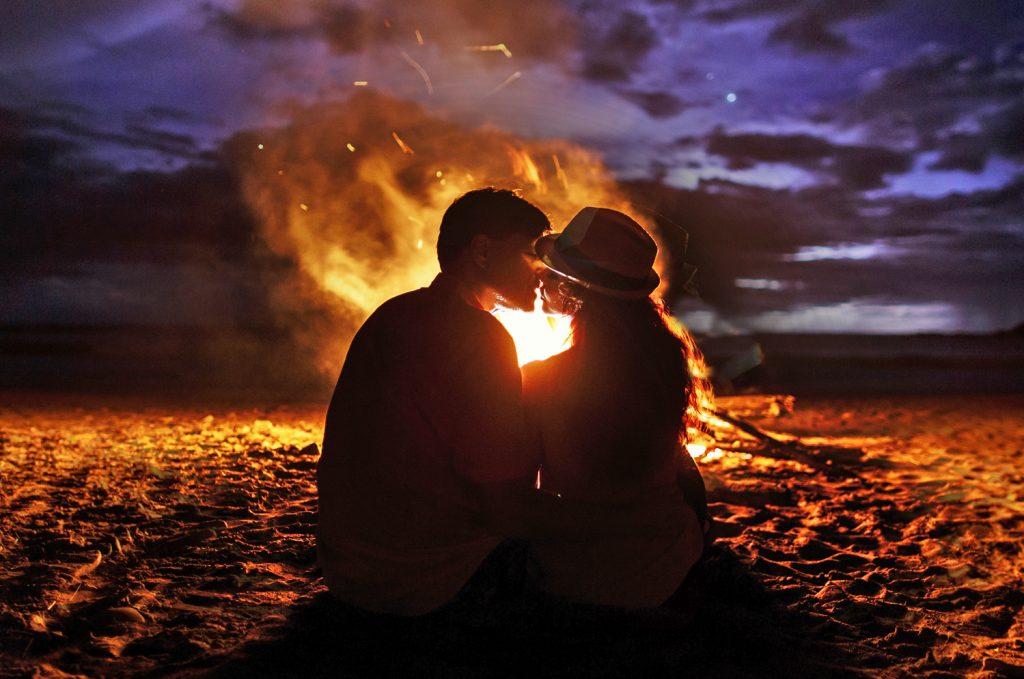 Beach Campfire - couple's getaway in Gulf Shores